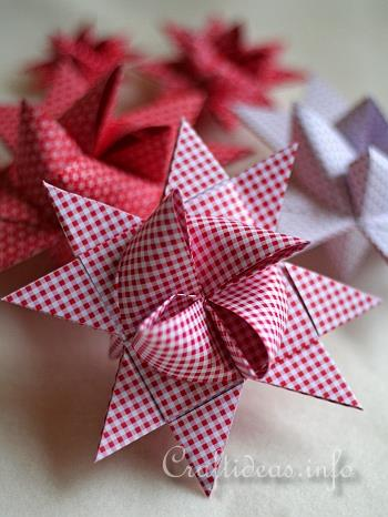 Checked Red and White German Paper Star