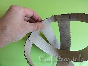 Corrugated Paper Easter Basket Tutorial 4