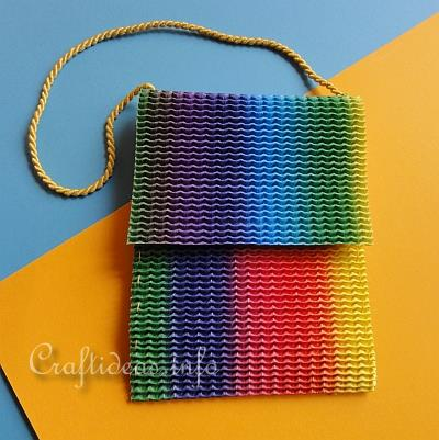 Girl's Craft - Hip Tote Bag Using Stretchy Corrugated Cardboard 2