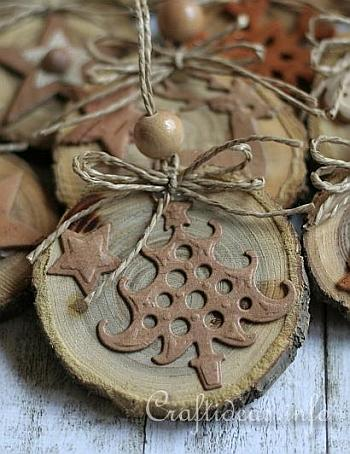 Natural Ornaments Crafted From Wooden Branch Slices 4