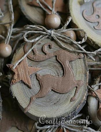 Natural Ornaments Crafted From Wooden Branch Slices 5