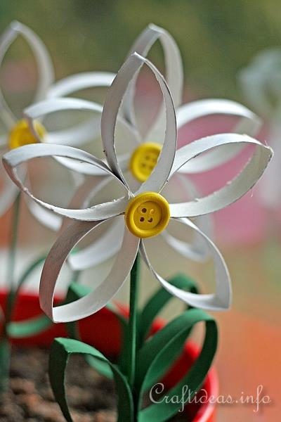 Paper craft for spring recycling craft daisies made for Arts and crafts for seniors