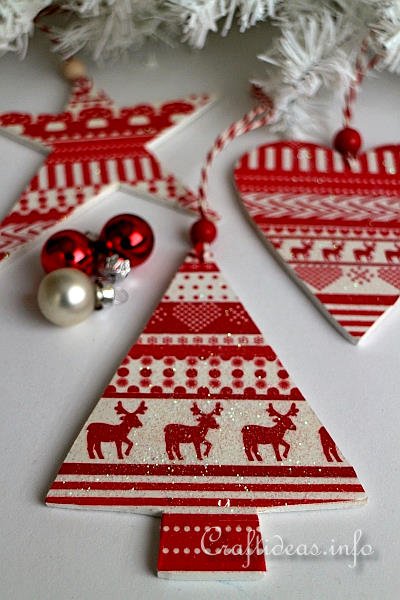 Wood crafts for christmas scandinavian style wooden for Scandinavian christmas craft ideas