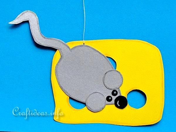 Summer Paper Craft for Kids - Mouse with its Cheese