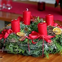 200 Red Advent Wreath