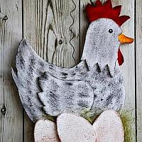 Sitting Hen Wall Decoration