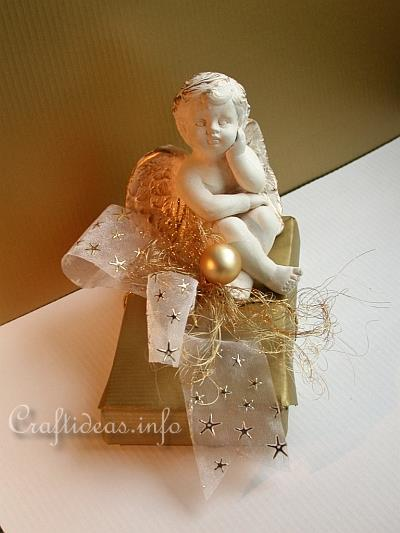 Basic Christmas Craft Ideas - Angel Gift Wrap in Gold