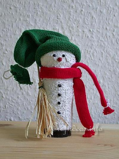 Christmas Craft Idea for Kids - Recycling Craft - Paper Tube Snowman