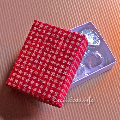 Christmas Fabric Craft - Fabric Covered Box to Use for a Gift