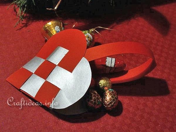 Christmas paper crafts woven paper heart ornament for Scandinavian christmas craft ideas