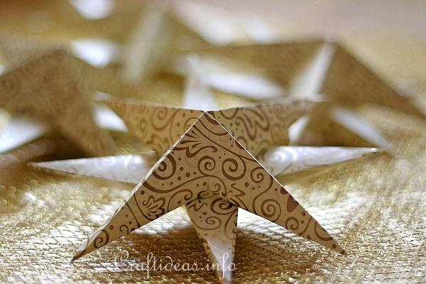 Christmas Paper Craft - Three Dimensional Paper Star - Side View