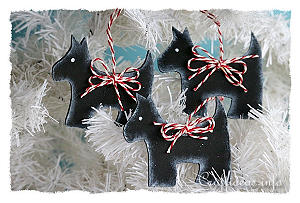 Christmas Wood Craft - Wooden Scottie Dog Christmas Tree Ornament