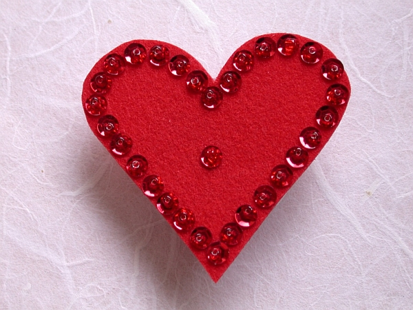 Craft for Valentine's Day - Felt Heart Pin