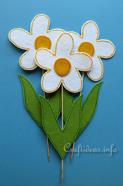 Felt Craft for Easter - Felt Daisy Plant Poke