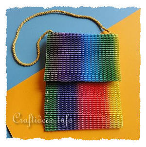 Girl's Craft - Hip Tote Bag Using Stretchy Corrugated Cardboard