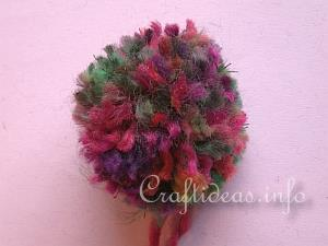 How to Make Pom Poms 7