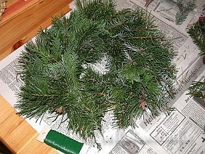 How to Make a Wreath 11