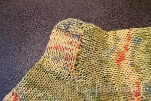 Knitting Socks Tutorial : Heidi bears judy s magic cast on and loop knitting tutorial