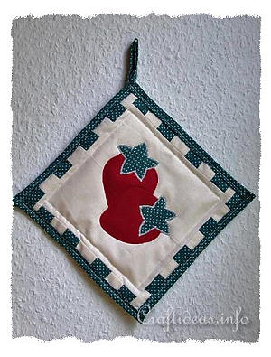 Summer Sewing Craft - Strawberry Potholder for the Kitchen 300