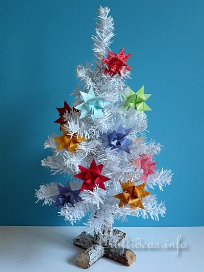 Christmas craft and decoration tree with german paper stars for Christmas star craft ideas