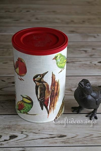 Winter craft upcycling cans for bird food for Bird food holder