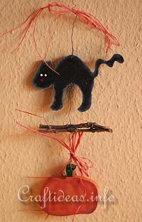 Wood Craft for Fall and Halloween - Black Cat and Pumpkin Garland