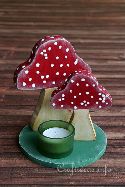 Wooden Mushrooms Table Decoration