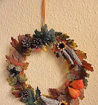 Autumn Crafts for Kids - Easy Wreath